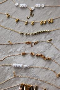 DIY: delicate gold b