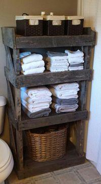 Pallet wood bathroom shelf