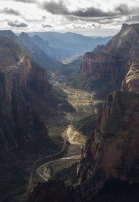 Overlooking the canyon Zion National Park [OC] [34335000] #reddit