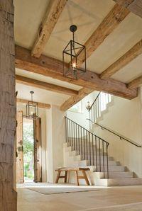 poutre bois massif en bois clair pour l'entrée massif