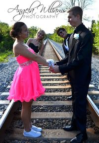 Fun prom photo ideas  Cute idea. Would only be the front pose cause just shooting one couple