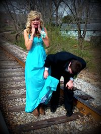 Blame it on my roots, i showed up in boots <3 country-prom-pictures cute-country-couple prom-ideas prom-poses