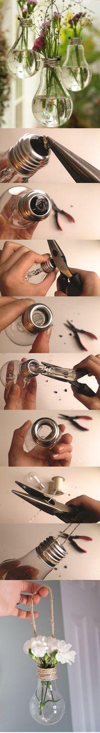 Recicla tus antiguas bombillas con estas magníficas ideas  #reciclar #bombillas