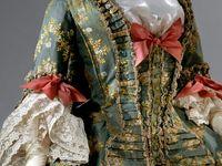 Dresses of Metmus 18.c