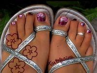 Nails & Toes