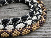 Bead crochet goodness! Inspirations and interesting examples