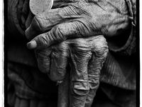 Mains, Hands...