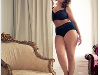 curvy women clothes ect