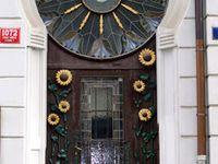 Doors.........I LOVE doors....It's as simple as that