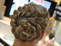 A collection of beautiful hairstyles. Some are tutorials, but mostly pictures for inspiration.