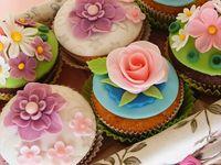 Sweet ... beautiful ... fun ... creative ... cupcakes !