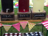 Food, Fun and Decor: Fresh Ideas for Graduation, Birthday, and Neighborhood Parties....