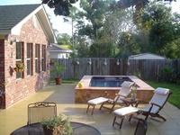 Landscape. Pools & Hot Tubs