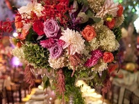 Table settings & settings with flowers