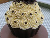 Cakes - Giant Cupcakes