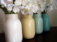 Beautiful ideas for decorating with Mason Jars. Also lovely for serving drinks from!