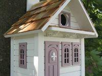 Birdhouses & Birdfeeders