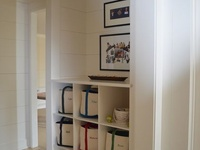 Entry/coat closet