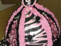 Monster high cakes that I wunt for my b-day