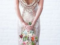 Weddings with touch of silver or gold glitter. Glitter dresses, glitter shoes, invitations, tablecloths and decor.