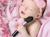 Portraits: Newborn