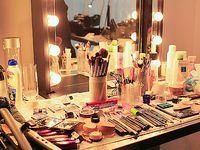 Makeup Vanities & Storage