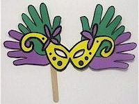 Eco Friendly Recycle and Natural Craft Ideas For the Family.  Simple to do...Simple materials, too! Go Green!