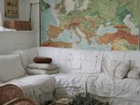 Maps, globes:explore ideas for elegant decoration.