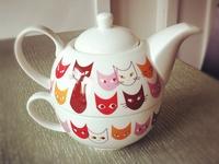 Sandy B--Cat Teapots.