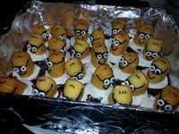 Minion Cupcakes With Twinkies