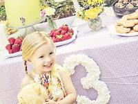 Winnie the Pooh Girl's Birthday