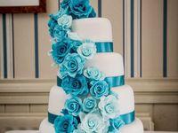 Turquoise cakes