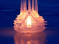Ice and sand sculpture