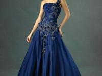 Dresses and Jewellery/Head dresses