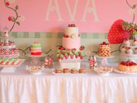 Fall in love with these Strawberry Shortcake birthday party ideas! So sweet!