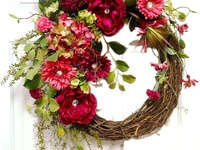 Wreaths & Door Hangers