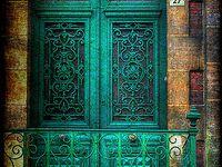Doorways, garden gates, and entrances that I like