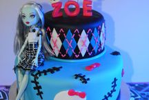 Monster High party n decor / by Evy