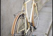 { Transportes } / Vehículos, bicicletas, coches, motos, caravanas, patinetes, sobre ruedas... / by Laura Junquera
