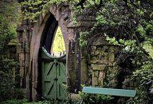 Garden / Beautiful garden ideas. / by Daisies & Pie