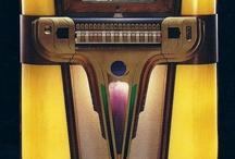 Vintage Jukeboxes / by Theo J. Roos