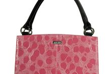 Purses and Totes / by Amy Vargas