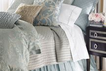 bedding guest room / by Joanna Sharghi-Shirley