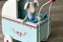 Vintage toys / by Harriet Swindell
