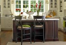 Country kitchens / Country Kitchen Design Ideas: Some kitchens are made to be beautiful, but Country kitchens are made to be used. Country kitchens are the most comfortable and inviting kitchens. Painted and glazed cabinets, farmhouse sinks, bead board panels, and open shelving are trademarks of country kitchen designs. / by kitchen designs 2014 - kitchen ideas 2014 .