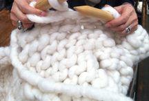 Knitting / by Janine Kierl
