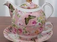 Teacups and Teapots / by Jane Silva