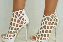 Shoes / by Antonia Martinez
