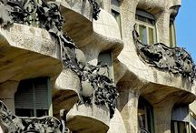 The life & work of Gaudi / by Betsy Ward