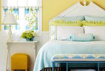 DIY Furniture / by Amber Brunson